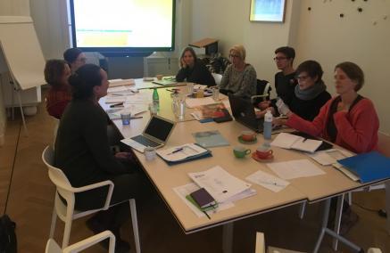 Horizontal Historical Education in Non-discriminative Activities