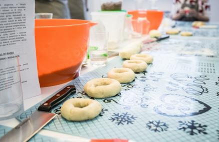 warsztaty kulinarne, wypieki żydowskie, bajgle, rugelachy, Menora Info, Muzeum POLIN