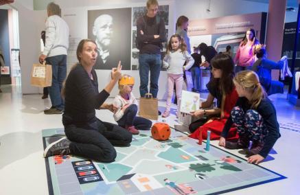 Dzień Matki - warsztaty dla osób z niepełnosprawnościami, Muzeum POLIN