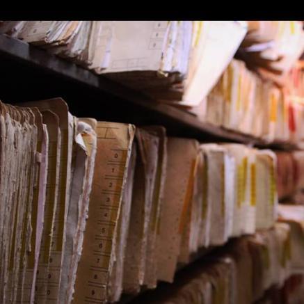 Zniszczone archiwa Warszawy