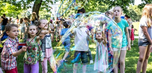 Dzień Dziecka w Maciusiowym Królestwie - piknik i warsztaty dla niewidomych w Muzeum POLIN