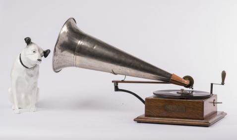 Gramofon model Junior, Emil Berliner, 1903 (kolekcja Jerzego Gogacza, Warszawa)